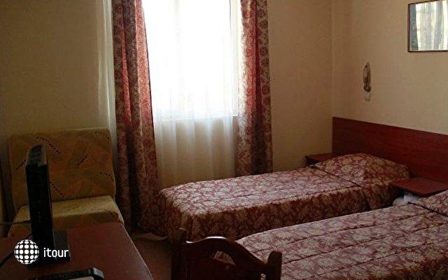 Caprice Family Hotel 4