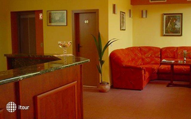Caprice Family Hotel 6