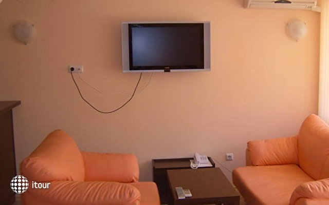 Hotel Gran Ivan 9