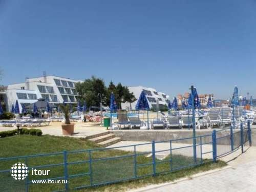 Luca Helios Beach 6