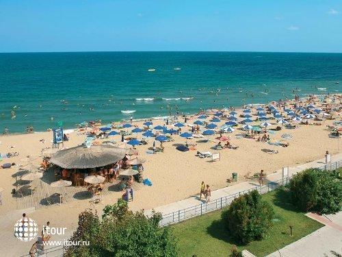 Luca Helios Beach 7