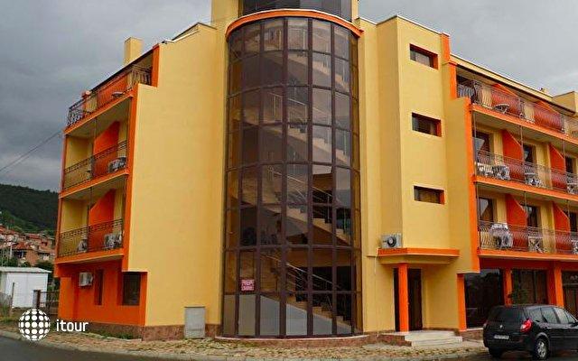 Amigos Hotel 1