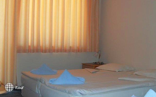 Amigos Hotel 5