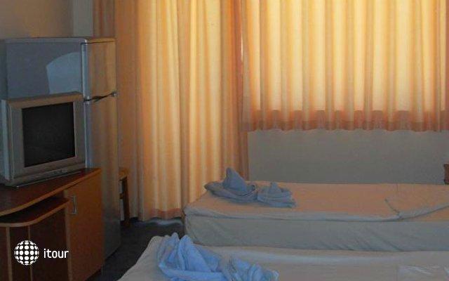 Amigos Hotel 7