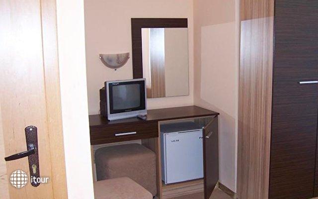 Hotel Akris 2