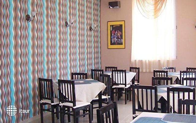 Hotel Akris 3