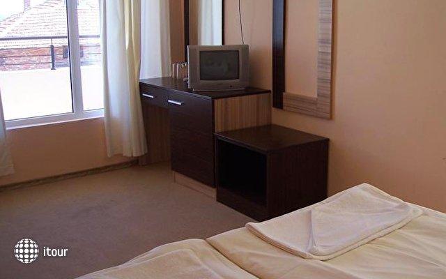 Hotel Akris 4