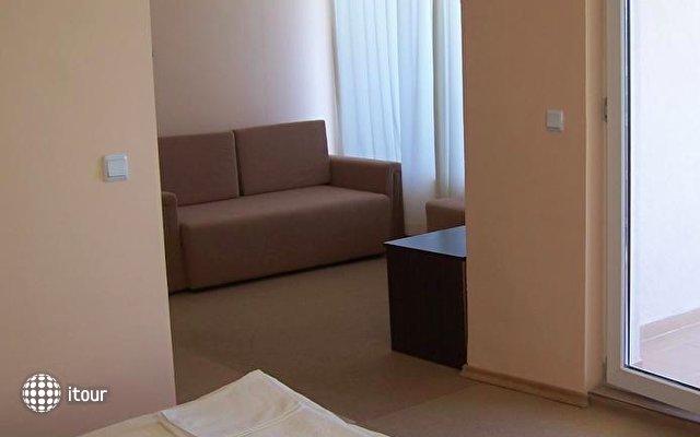 Hotel Akris 8
