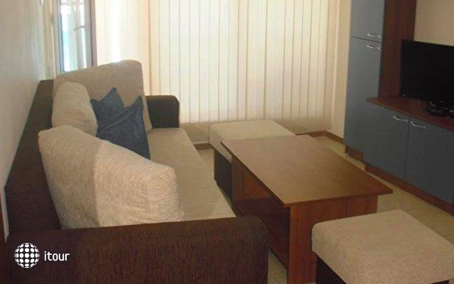 Aquamarine Apartments 4