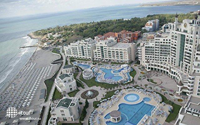 Sunset Resort 4