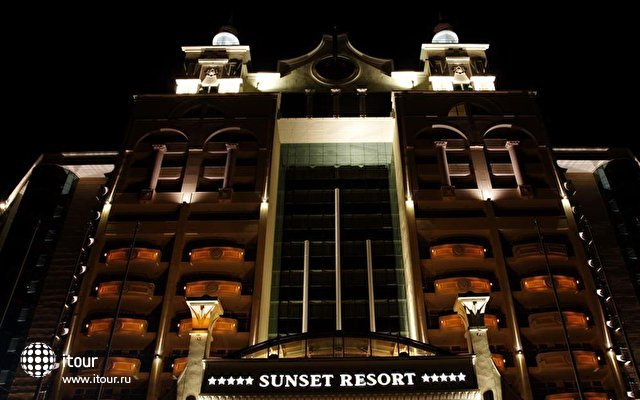 Sunset Resort 6