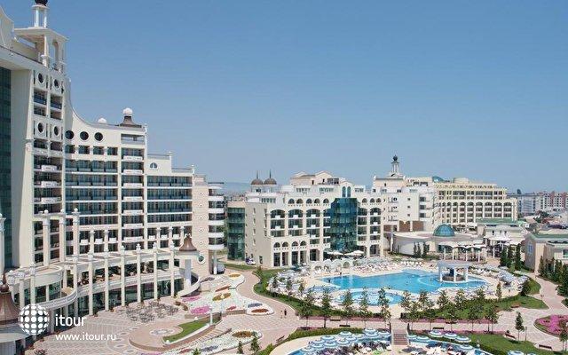 Sunset Resort 9