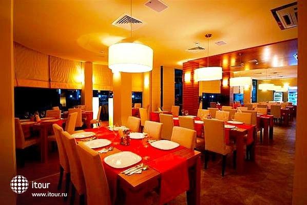 Marina Holiday Club 4