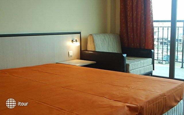Julia Hotel 6