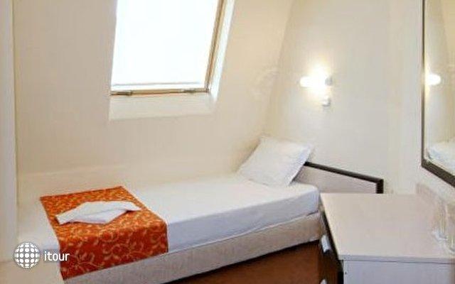 Julia Hotel 10