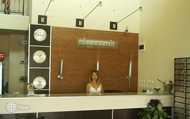 Julia Hotel 4