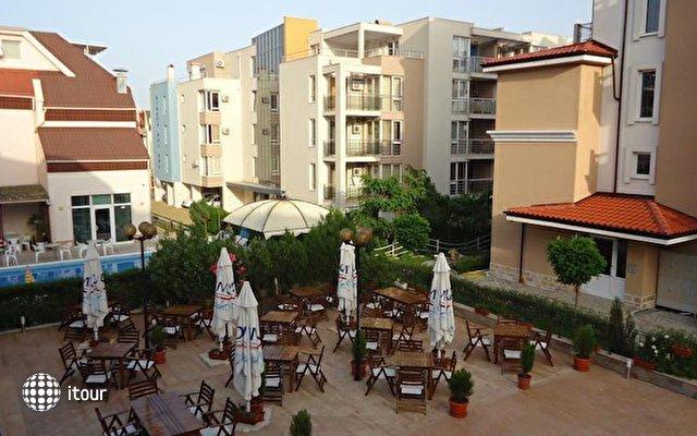 Tropics Hotel 3