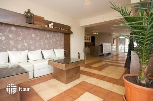 Tropics Hotel 9