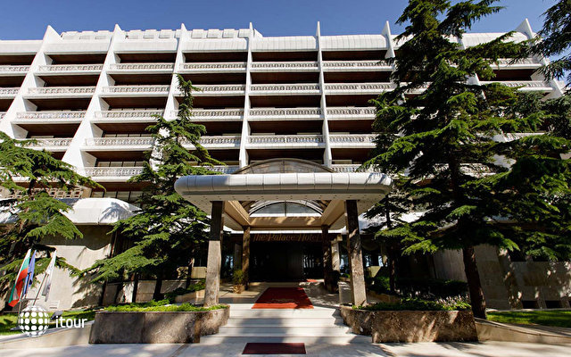 Palace Hotel Sunny Day 4