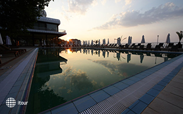 Palace Hotel Sunny Day 5