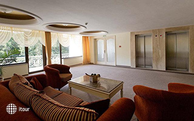 Palace Hotel Sunny Day 7
