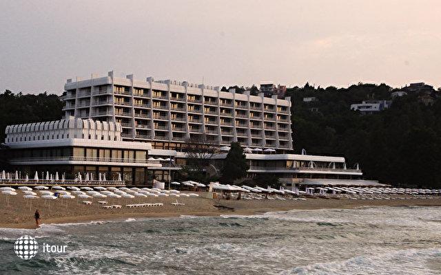 Palace Hotel Sunny Day 2