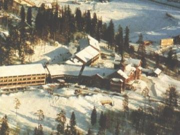Holmenkollen Park Rica 1
