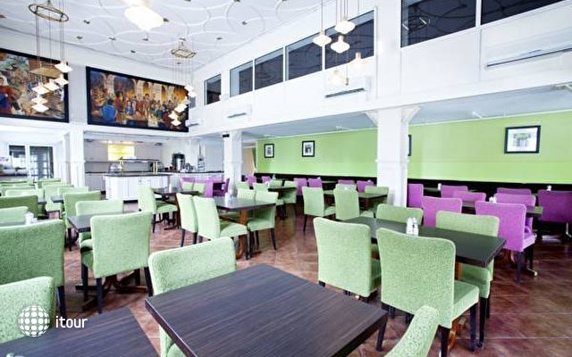 Quality Hotel Augustin 8