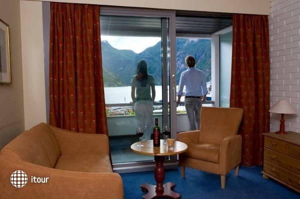 Hotel Geiranger 2