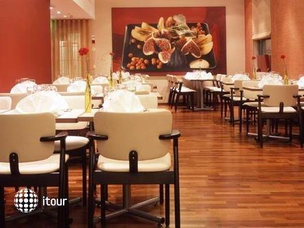 Radisson Blu Royal Hotel 8