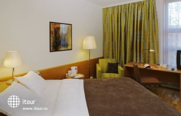 Holiday Inn Turku 8