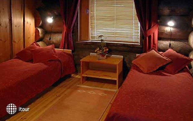 Rukan Salonki Cottages Apt 8