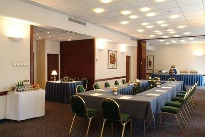 Best Western Hotel Hungaria 9