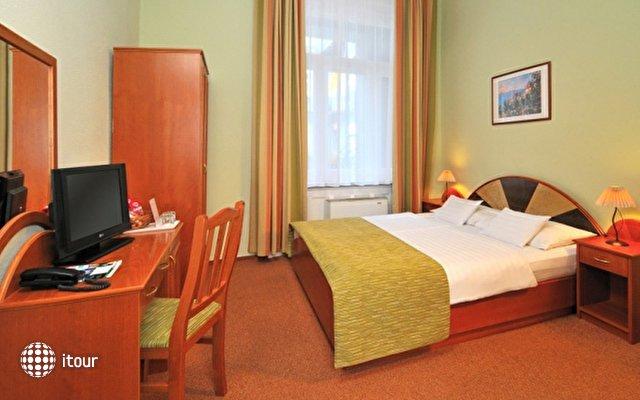 Baross City Hotel 6