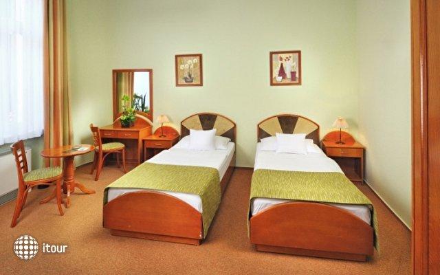 Baross City Hotel 9