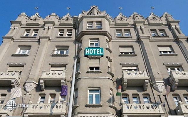 Baross City Hotel 1