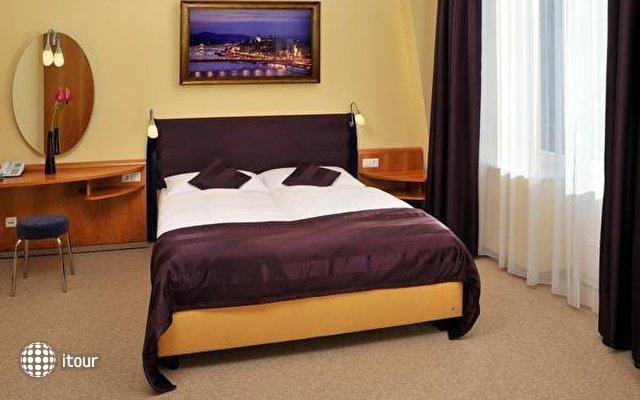 Regency Suites Budapest 8