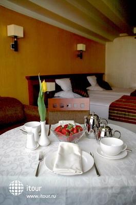 Actor Hotel 10