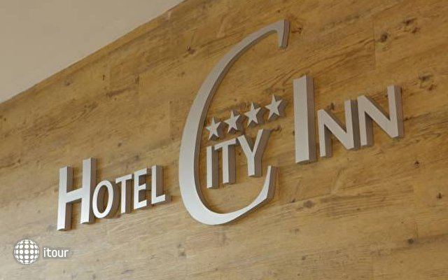 City Hotel 5