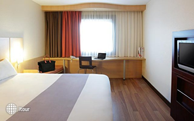 Ibis Budapest Heroes Square 4