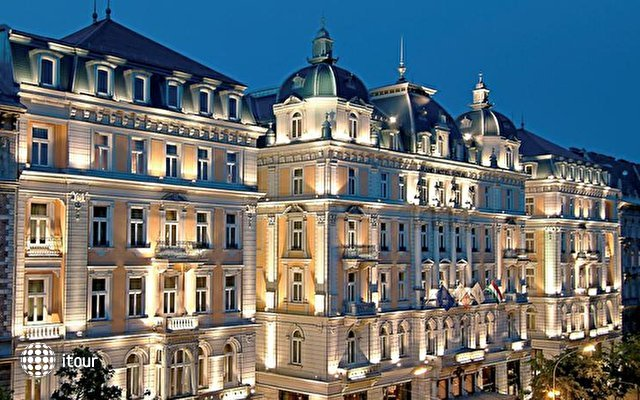 Corinthia Grand Hotel Royal 1
