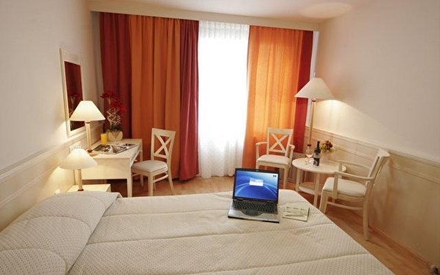 Mercure Budapest City Center (ex Hotel Taverna) 7