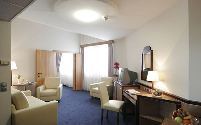 Mercure Budapest City Center (ex Hotel Taverna) 8