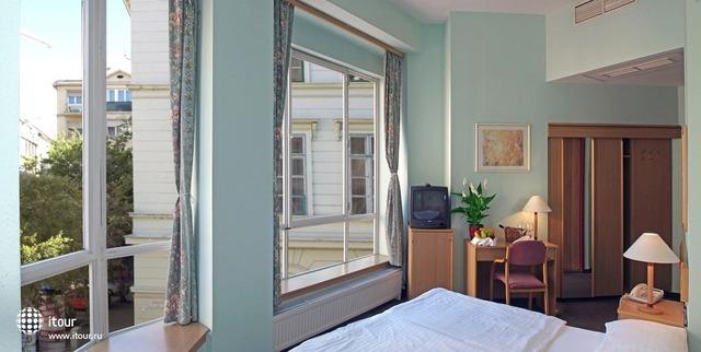 City Hotel Pilax 9