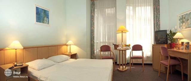 City Hotel Pilax 10