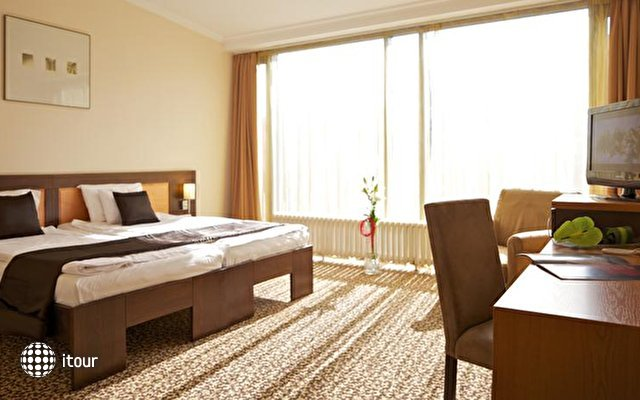 Best Western Plus Hotel Ambra 10