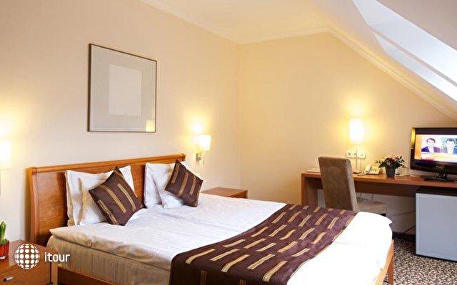 Best Western Plus Hotel Ambra 9
