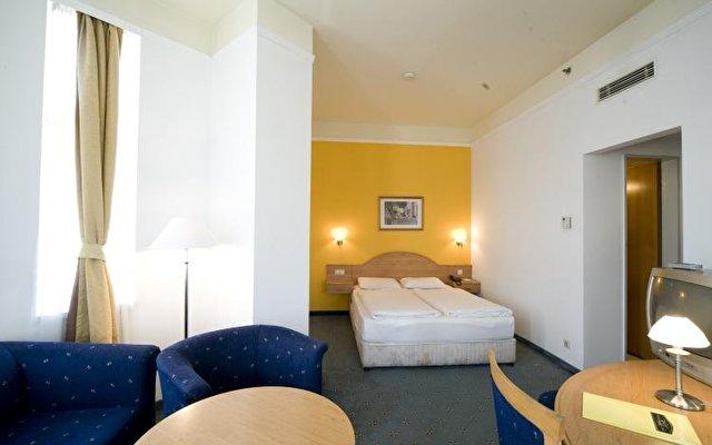 Golden Hotel Park 10