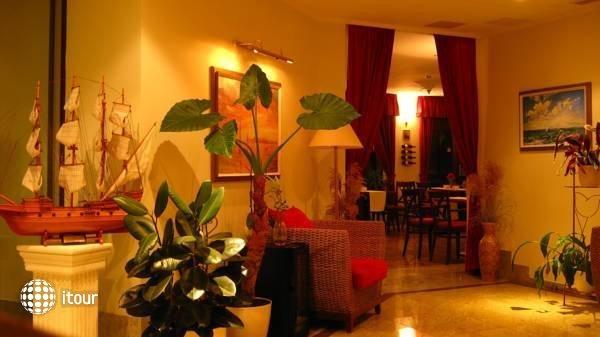 Hotel Tihany Atrium 4