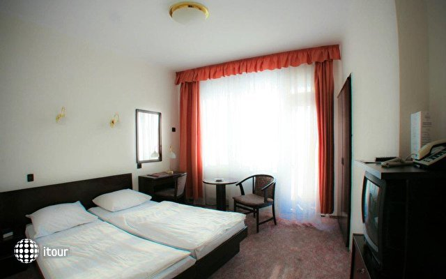 Hunguest Hotel Nagyerdo 8